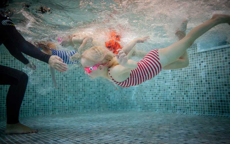 Small group swimming lessons